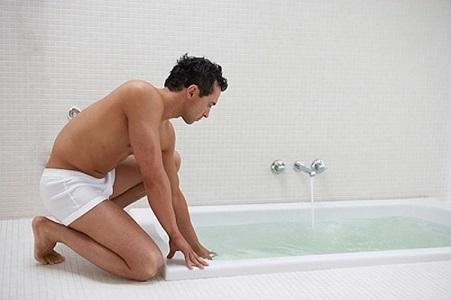 cách vệ sinh khi viêm bao quy đầu