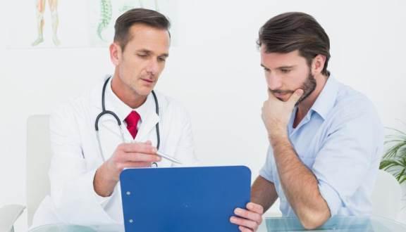 Thăm khám nam khoa xác định nguyên nhân ngứa bao quy đầu