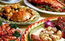 Viêm bao quy đầu cần kiêng đồ ăn hải sản